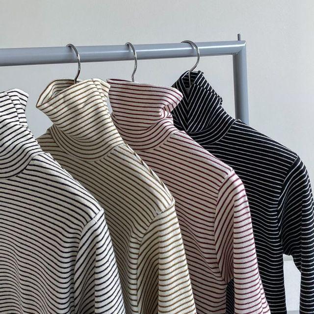 블루잉 - 단가라 폴라 티셔츠 4color 아이보리, 블랙, 카키, 와인