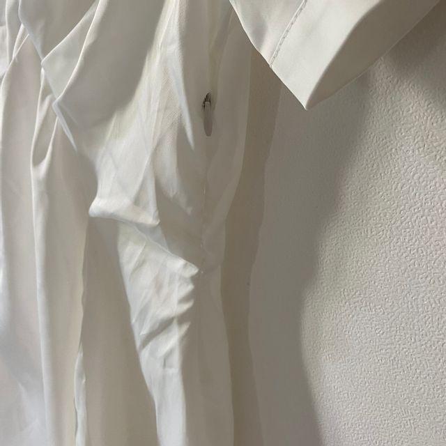 데이원뉴 - 사선 꼬임 반팔 미니 셔링 셔츠 원피스
